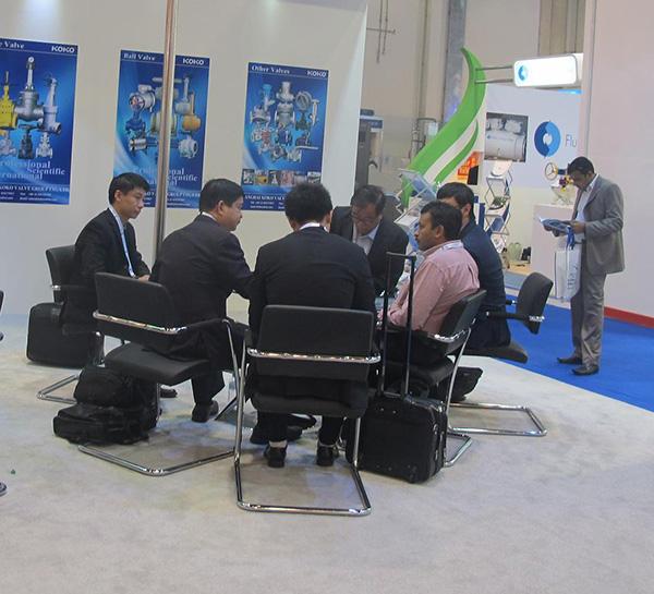 中东阿布扎比石油设备博览会现成图片